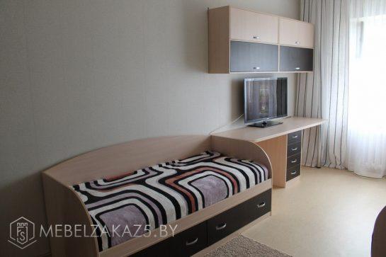 Детская кровать с компьютерным столом и навесным шкафчиком для подростка