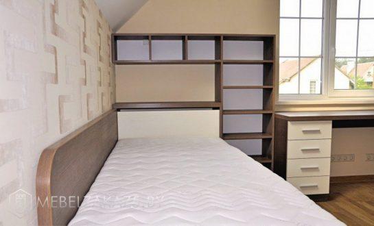 Большая односпальная подростковая кровать со стеллажом
