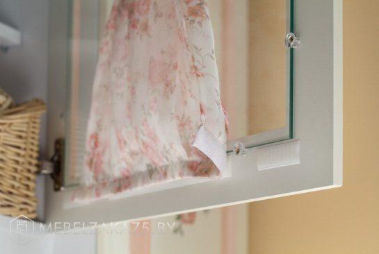 Дверца от шкафчика со шторкой