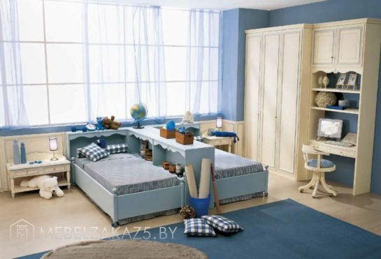 Современная мебель для двоих мальчиков в синем цвете