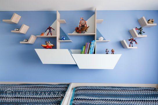 Навесные декоративные полки в детскую для мальчика в морском стиле
