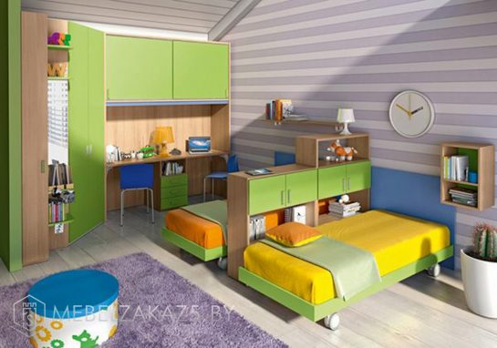 Набор ярко-салатовой корпусной мебели в детскую для мальчика