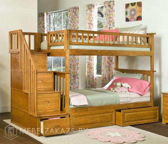 Двухъярусная кровать в детскую из массива