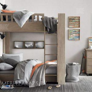 Классическая высокая двухъярусная кровать в детскую