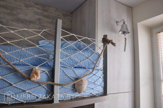 Двухъярусная кровать в морском стиле