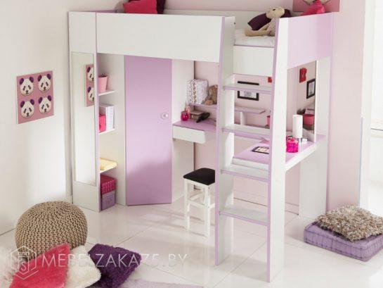 Высокая детская кровать-чердак с рабочей зоной, встроенным шкафом и полками