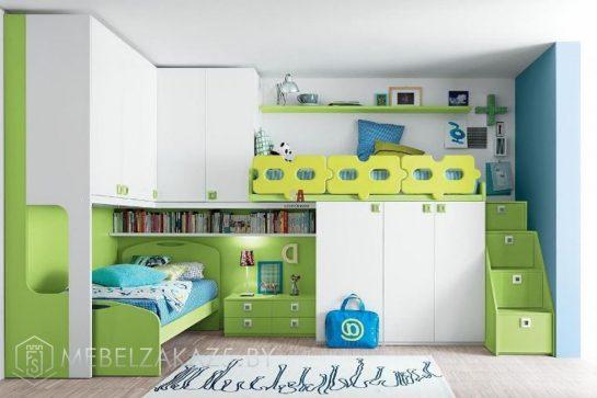 Большая кровать-чердак в детскую с навесными шкафчиками и встроенным распашным шкафом