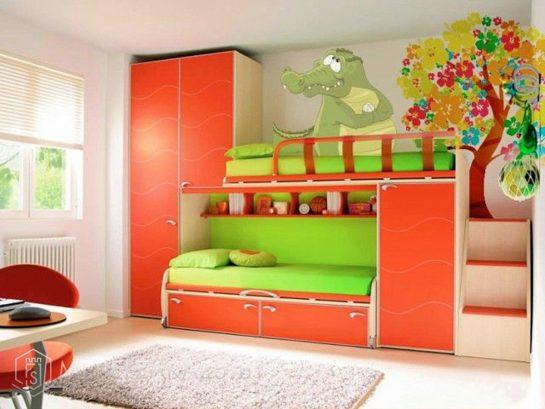 Яркая кровать-чердак в детскую комнату