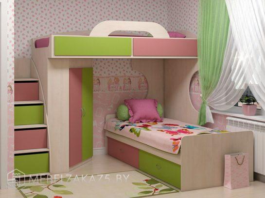 Яркая кровать-чердак для девочек от трех лет