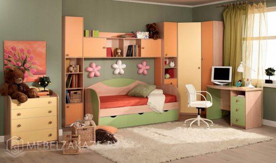 Современный набор мебели в комнату для детей от трех лет