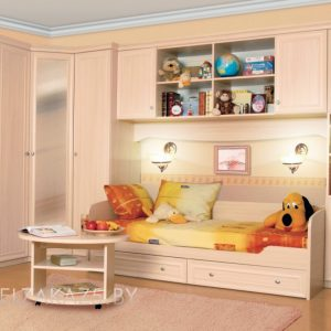 Современная стенка в комнату для детей до трех лет
