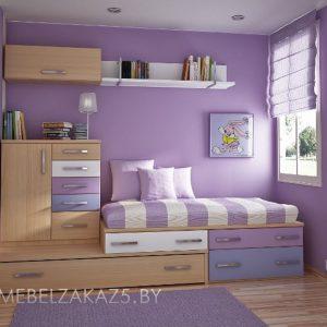 Эргономичный набор мебели в комнату для трехлетней девочки