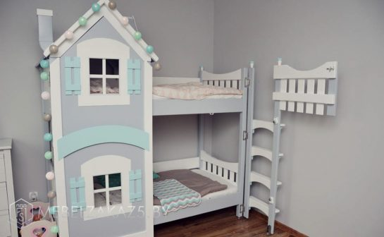 Кровать-домик в детскую