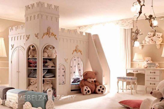 Большая двухъярусная кровать-замок