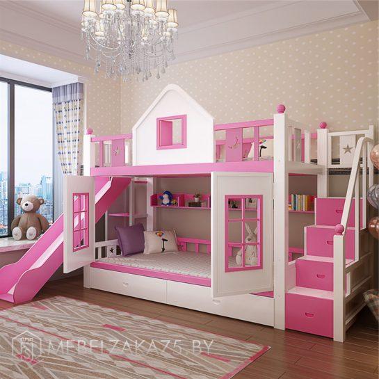 Детская яркая кровать-домик