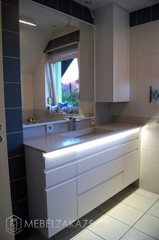 Современная тумба под раковину в ванную с подсветкой