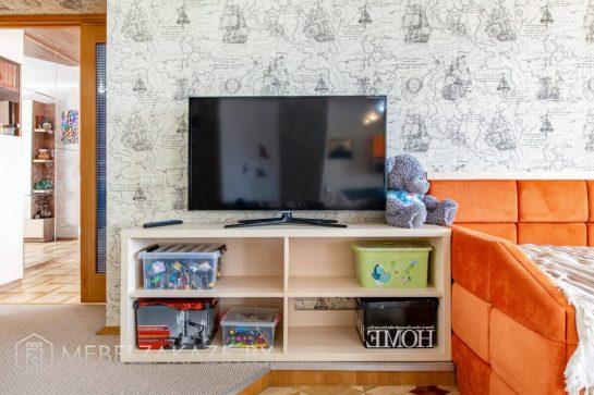 Тумба под телевизор бежевая в детскую