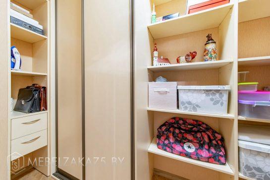 Современный шкаф-купе из МДФ в коридор