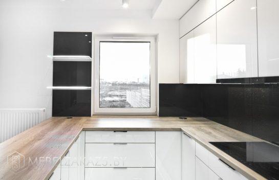 Акриловая п-образная кухня в стиле минимализм