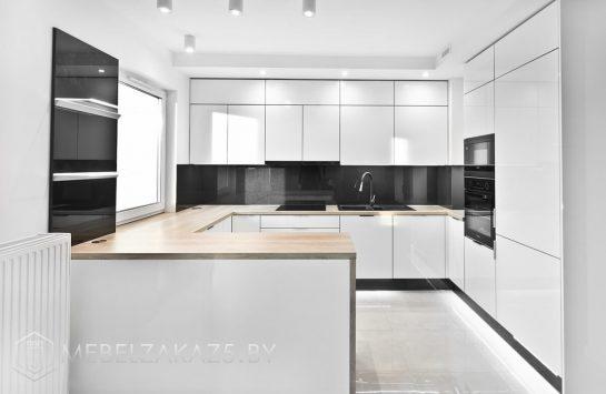 П-образная кухня из акрила в стиле минимализм