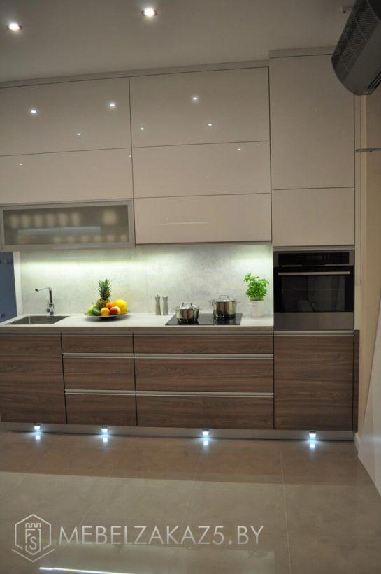 Прямая кухня из акрила с подсветкой