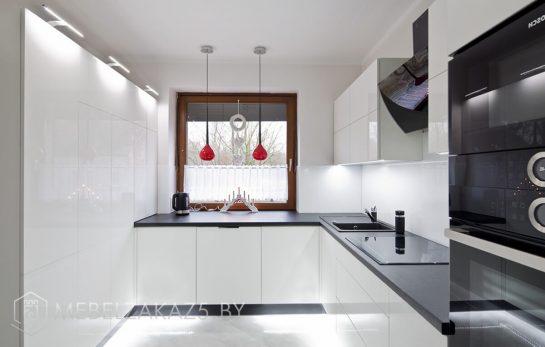 Глянцевая угловая кухня из акрила