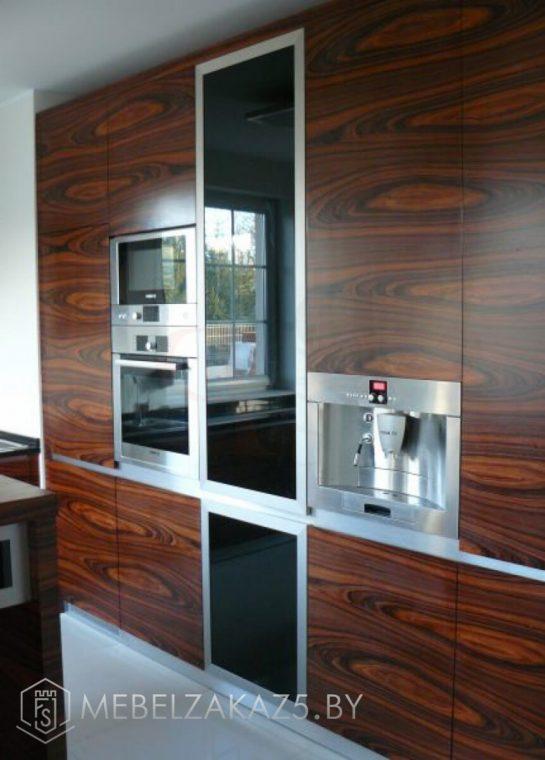 Линейная кухня с островом модерн