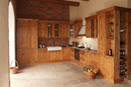 Угловая кухня из ольхи классик