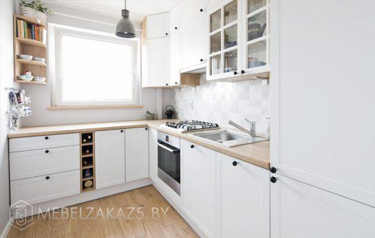 Маленькая угловая кухня в скандинавском стиле