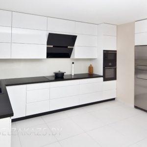 Угловая кухня в стиле минимализм из крашенного мдф