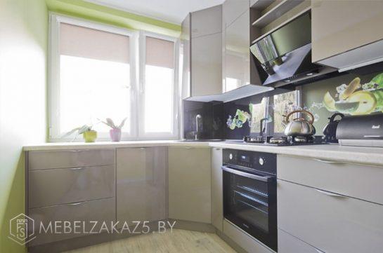 Угловая кухня оливкового цвета из пленочного МДФ