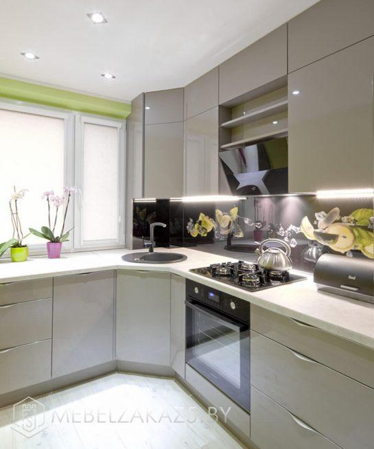 Современная угловая кухня цвета оливы
