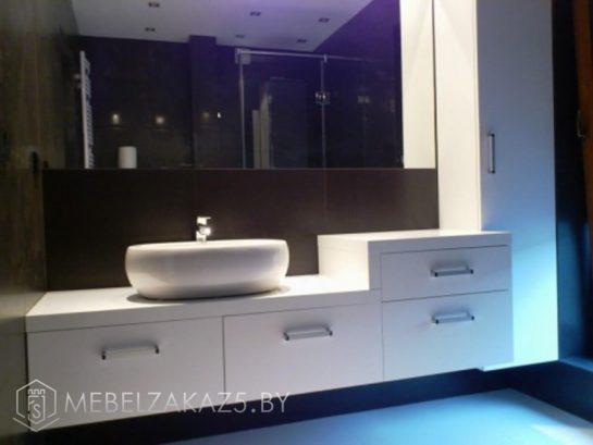 Мебель для ванной в стиле хай тек