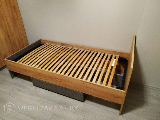 Односпальная кровать в подростковую комнату с выдвижным ящиком