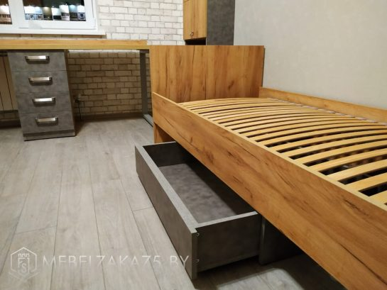 Кровать в подростковую комнату с выдвижным ящиком