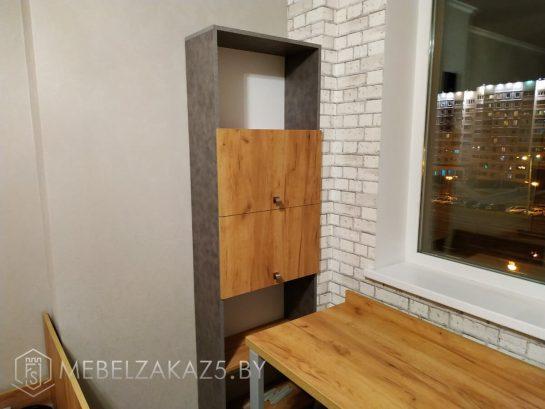 шкаф-пенал полузакрытого типа в комнату подростка