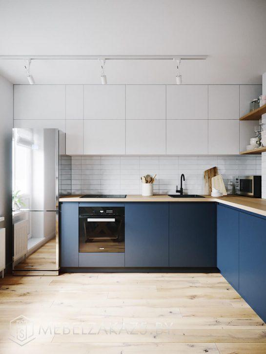 Угловая бело-синяя кухня с фасадами без ручек