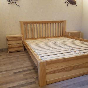 Кровать из массива с приставными тумбами по бокам