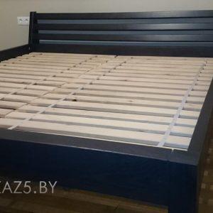 Двуспальная кровать черного цвета