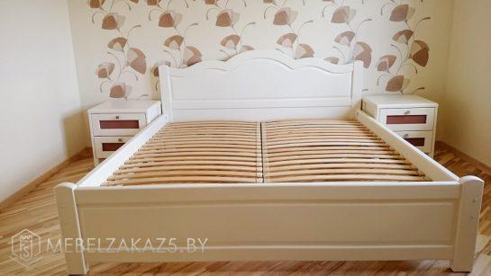 Кровать в классическом стиле с подъемным механизмом