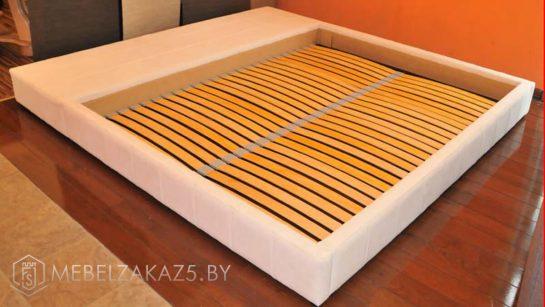 Белая кровать минимализм