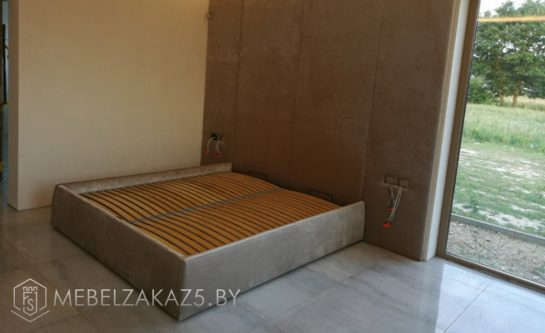 Кровать модерн в спальню