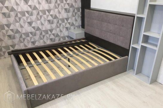 Кровать в современном стиле серого цвета с изголовьем