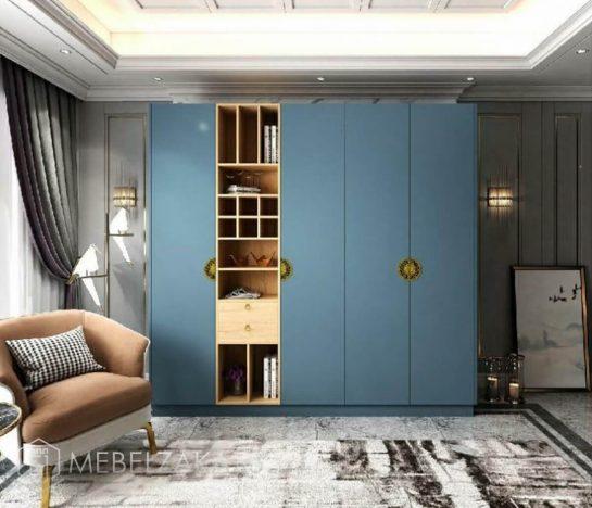 Четырехстворчатый распашной шкаф синего цвета