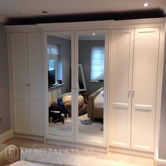 Современный комбинированный шкаф в спальню