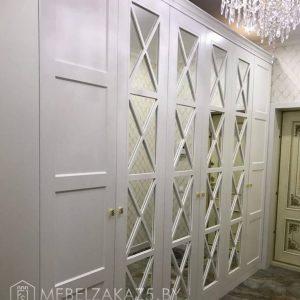 Белый классический комбинированный распашной шкаф