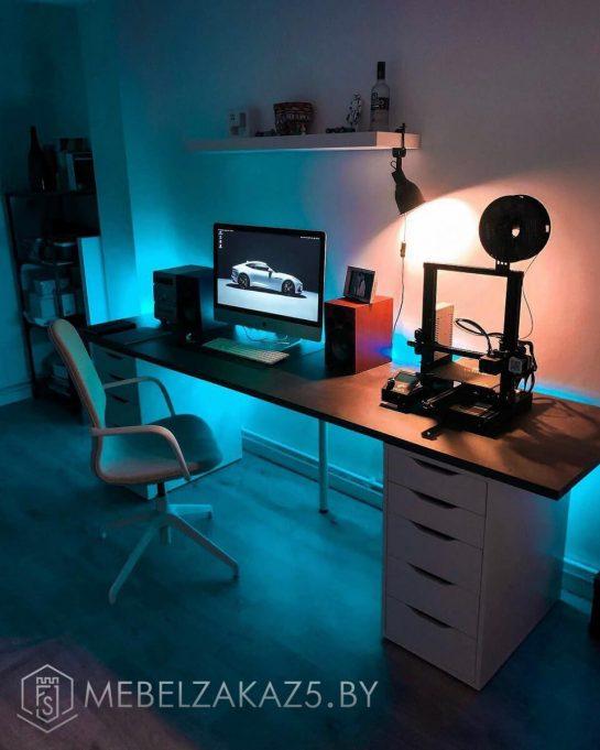 Компьютерный стол скандинавский