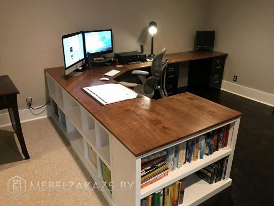Компьютерный стол угловой с полками