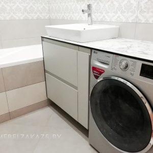 Серая тумба под раковину в ванную минимализм