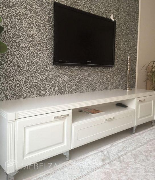 Тумба под телевизор белого цвета
